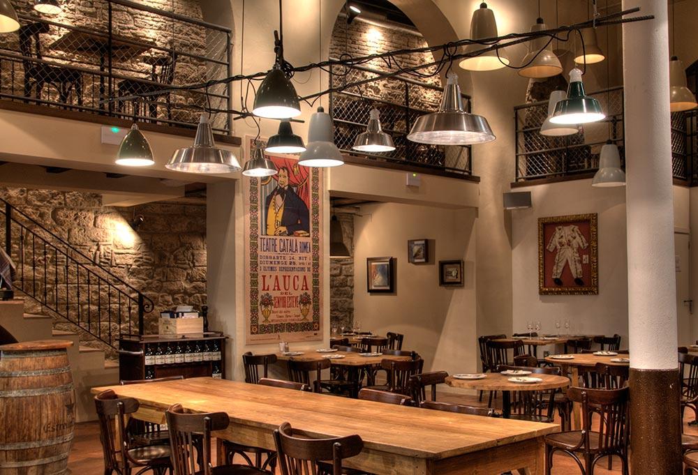 Dise o y decoraci n bodega la puntual da2 arquitectura for Diseno restaurante