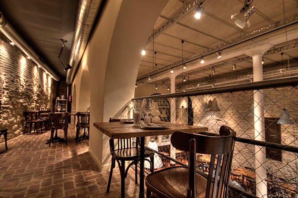 Dise o y decoraci n bodega la puntual da2 arquitectura - Diseno salones pequenos ...