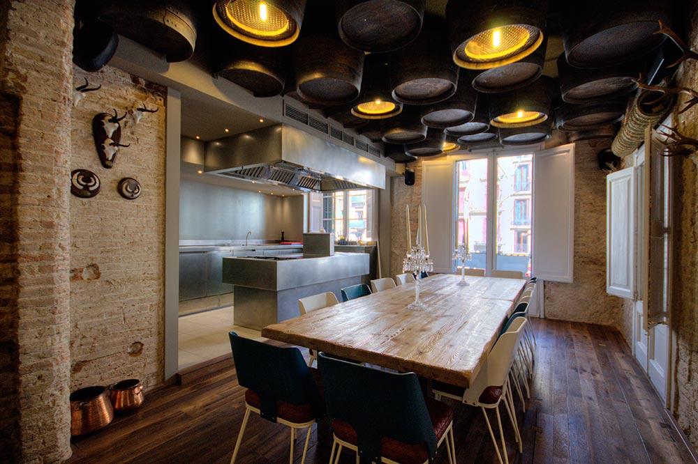 Dise o y decoraci n restaurante el altar de casa guinart da2 arquitectura - Decoradores de bares ...
