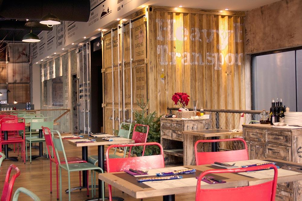 Dise o y decoraci n restaurante los soprano da2 arquitectura - Decoracion bares modernos ...