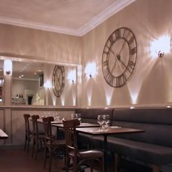 Diseño-interior-y-decoración-restauntante-cafe-emma-romain-fornell-pedro-scattarella-13