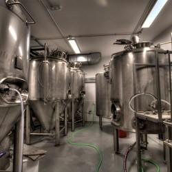 Diseño-y-decoracion-fabrica-cerveza-Garage-FACRICA-03