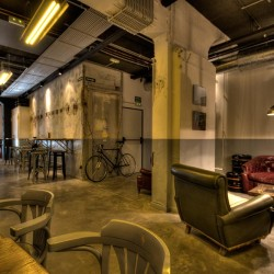 Diseño-y-decoracion-fabrica-cerveza-Garage-SALON-05