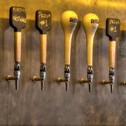 Diseño-y-decoracion-fabrica-cerveza-Garage--TIRADORES-01