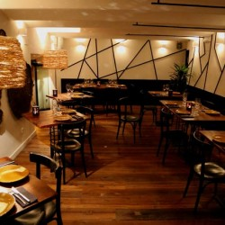 Diseño-y-decoracion-restaurante-KOA-salon_arriba_01-2