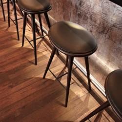 Diseño-y-decoracion-restaurante-KOA-taburete
