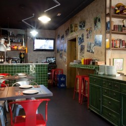 Diseño-y-decoracion-restaurante-stanford-gourmet-burger-local-interior-2