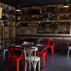 Diseño-y-decoracion-restaurante-stanford-gourmet-burger-local-tarjeta