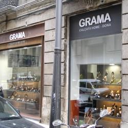 Diseño-y-decoracion-tienda-grama-escaparate-02