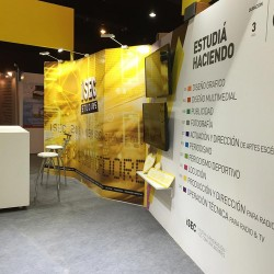 Stand-ISEC_Carreras-y-estudio-de-TV