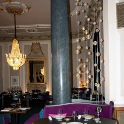 diseño-interior-y-decoracion-restarante-caelis-bolas03