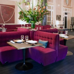 diseño-interior-y-decoracion-restarante-caelis-sofa-cruz