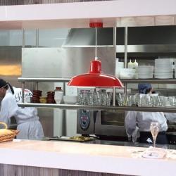 diseño-interior-y-decoracion-restaurante-Kauai-cocina-03