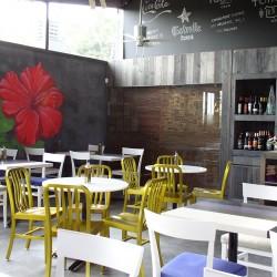 diseño-interior-y-decoracion-restaurante-Kauai-flor-02