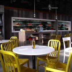 diseño-interior-y-decoracion-restaurante-Kauai-mesas