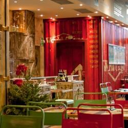 diseño-interior-y-decoracion-restaurante-los-soprano--ROJO