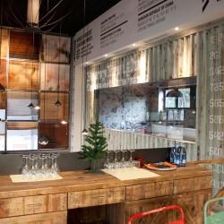 diseño-interior-y-decoracion-restaurante-los-soprano-container-verde