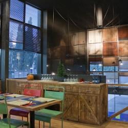 diseño-interior-y-decoracion-restaurante-los-soprano--doble-altura