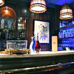 diseño-y-decoracion-bar-rien-de-rien-barra-01