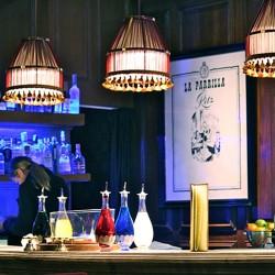 diseño-y-decoracion-bar-rien-de-rien-botellas-03