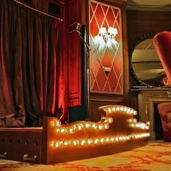 diseño-y-decoracion-bar-rien-de-rien-escenario