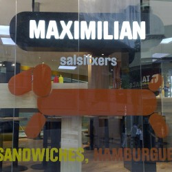 diseño-y-decoracion-restaurante-maximilian-logo