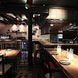 diseño-y-decoracion-restaurante-ombu-hacia-cocina