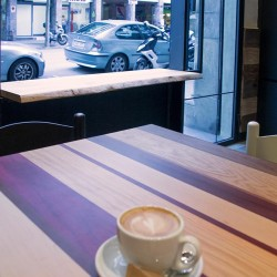 diseño-y-decoracion-restaurante-raco-del-aguier-MESA-RAYADA-01