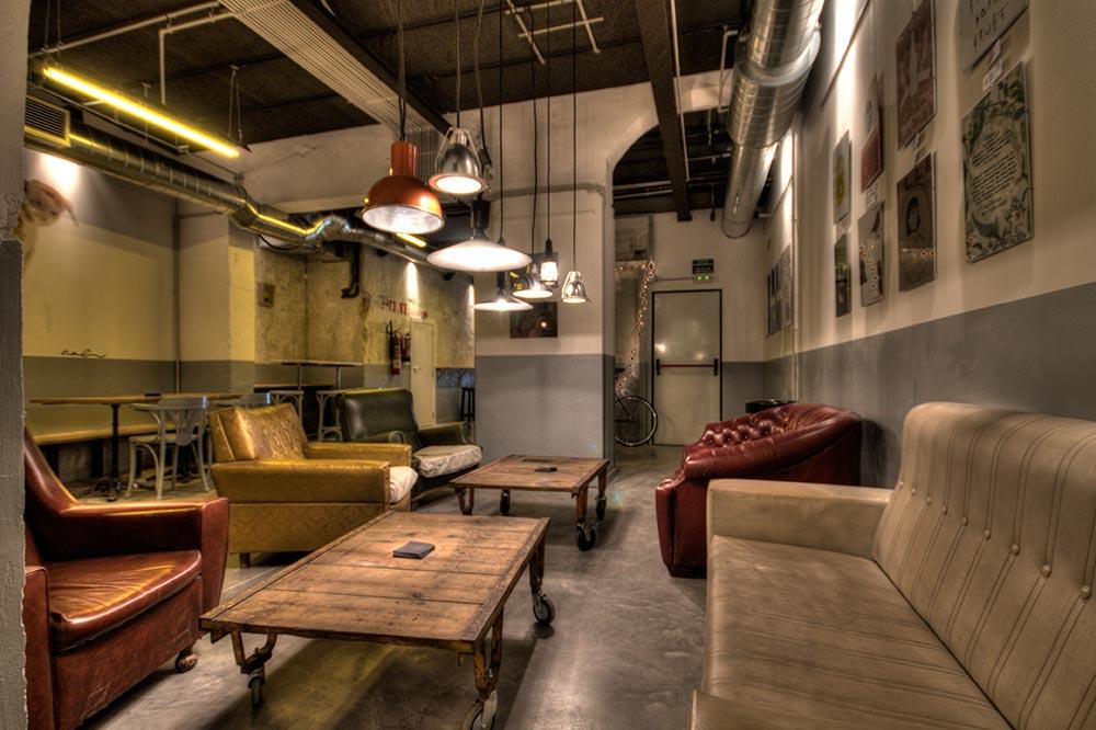Dise o y decoraci n cervecer a garage beer da2 - Garajes de madera de segunda mano ...