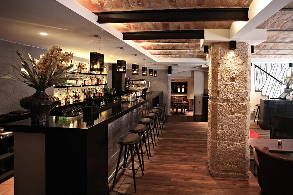 Dise o y decoraci n restaurante moderno koa palma de - Diseno y decoracion ...