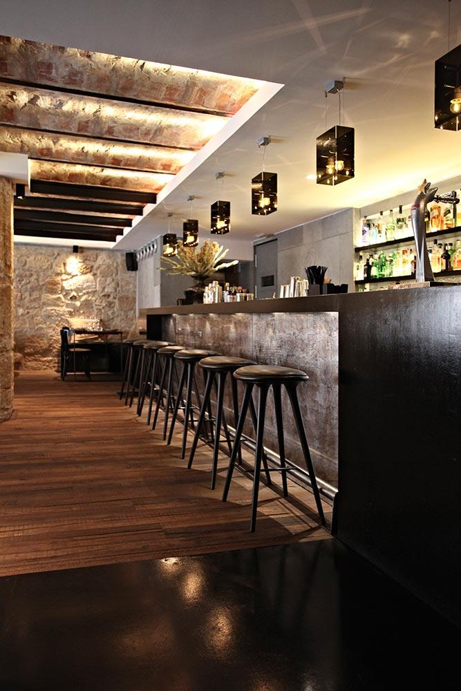 Dise o y decoraci n restaurante moderno koa palma de for Disenos de barras