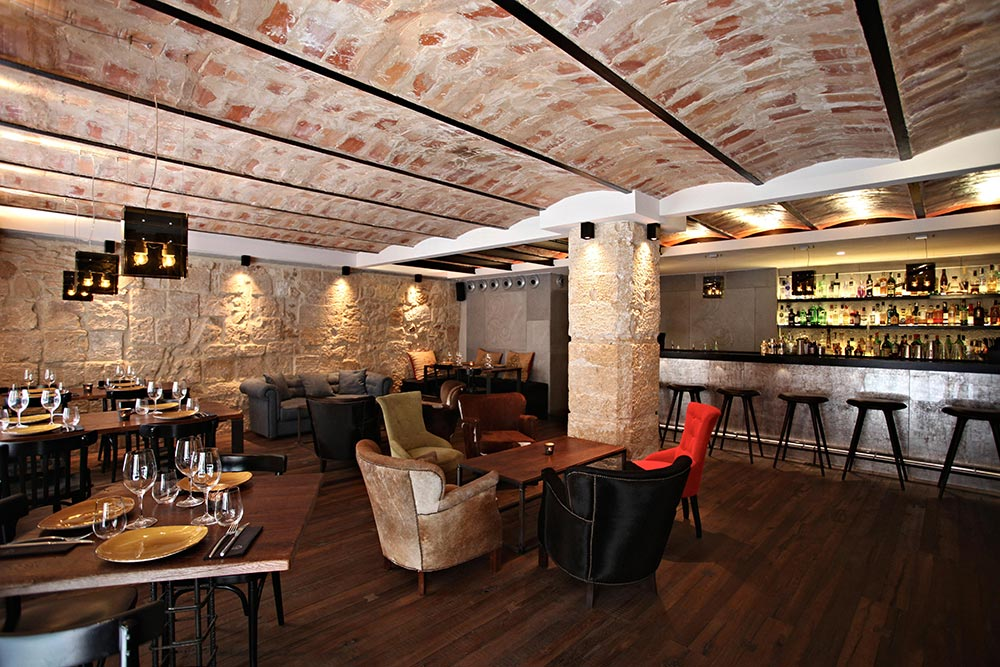 Dise o y decoraci n restaurante moderno koa palma de for Diseno y decoracion