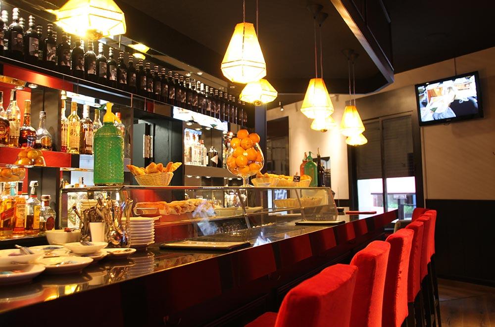 Dise o y decoraci n caf tur da2 arquitectura interiorismo y arquitectura - Restaurantes de diseno ...