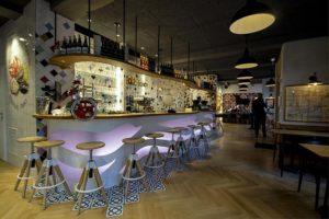 Diseño y decoración restaurante OLA TAPAS Barra barcelona