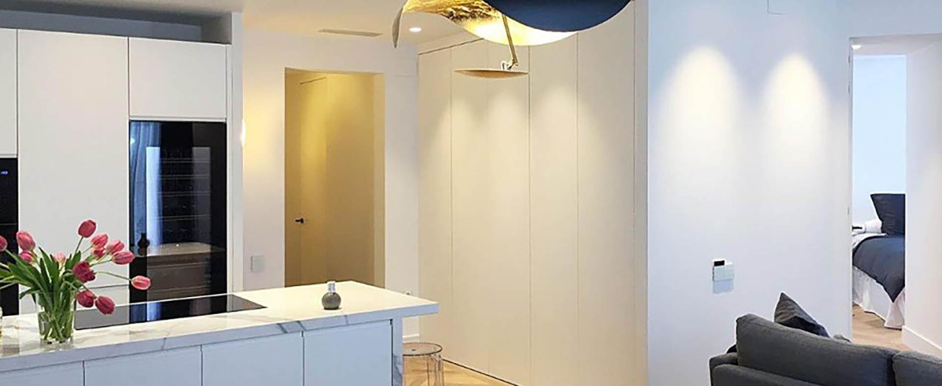 diseño de pisoso modernos vista general salón y cocina portada