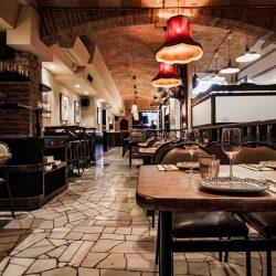 wine bar Bistrot Bilou salón hacia entrada