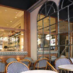 Terraza interior restaurante