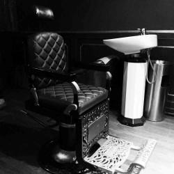 Speakeasy bar Bobbys free Barcelona sillon Barbero