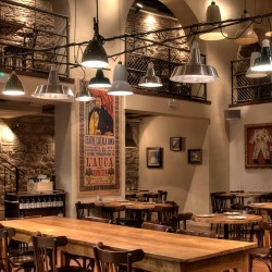 Mobiliario para restaurante Decoración Restaurante Bodega La Puntual