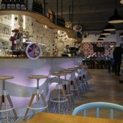 Decoración restaurante moderno OLA