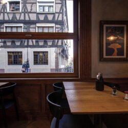 Mesas contra ventanas guillotina