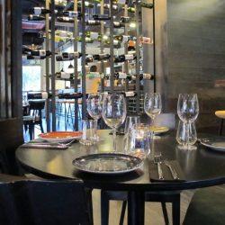 Reforma restaurante Vandal detalle mesa