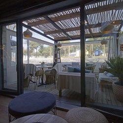 la terraza domina todo el acceso