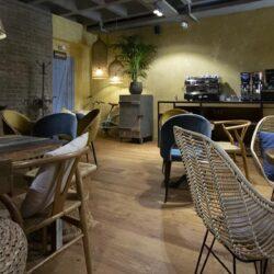 Mesas y sillas para el bar elegidas especialmente