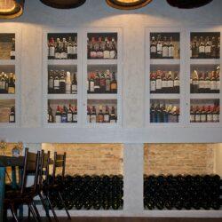 Expositor de vinos