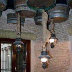 diseño-interior-y-decoracion-restaurante-casa-guinart-lamparas-escalera-01