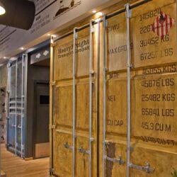 Decoración restaurante pizzería - Los soprano detalle del container