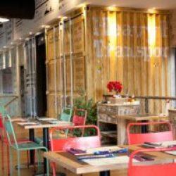 diseño-interior-y-decoracion-restaurante-los-soprano--container-amarillo