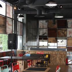 Salón principal del restaurante Los Soprano