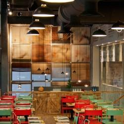 Salón principal del restaurante Los Soprano 01